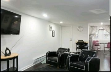 Newly renovated Private English basement apt. with the comforts of home.