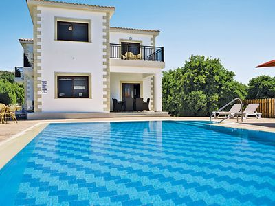 Photo for 4 bedroom modern country villa w/ air con, Wi-Fi + covered terrace