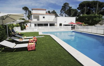 Photo for Secluded cozy villa near Sesimbra, ample garden and swimming pool (Full House)