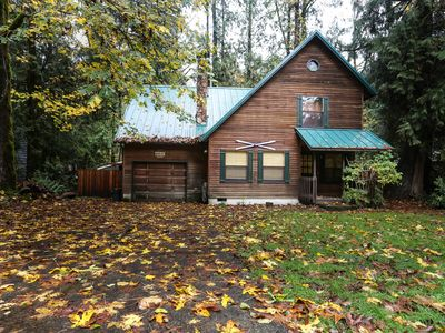 Photo for Dog-friendly cabin w/private hot tub, shared pool and sauna
