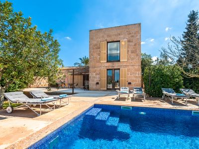 Photo for Beautiful villa with private pool and spectacular views.
