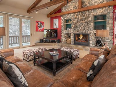 Photo for RMR:Large Home with private Hot Tub! Close to National Parks.
