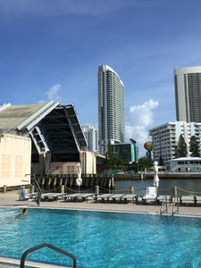 Photo for Amazing place in Hallandale Beach, Beachwalk