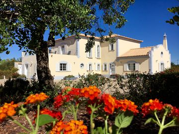 Dream-Villa Quiet Location, Large Private Pool, Beautiful Views, Ideal To Unwin