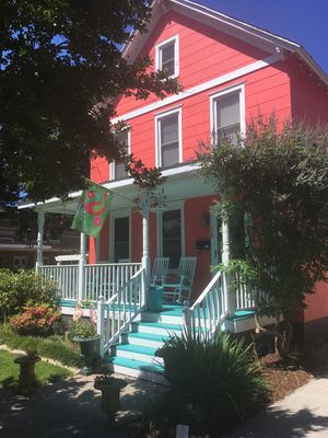 Coral Cottage by the Bay (formerly known as 'Kenmar Cottage by the Bay '