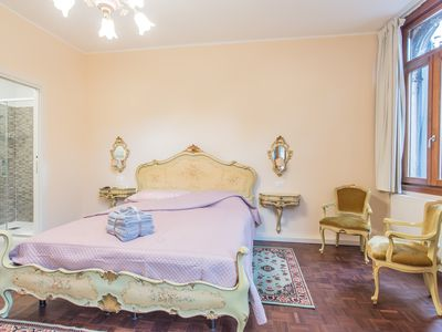 Photo for Newly Renovated & Bright Apartment between Saint Mark s Square and Rialto Bridge