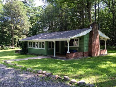 Green Cottage is a charming vintage cottage built in 1930 and expanded in 2015.