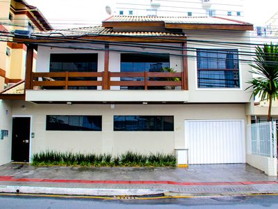 Photo for Ground floor apartment super well located in the city center and close to the beach