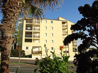 Photo for One bedroom Apartment, sleeps 6 in Royan with WiFi