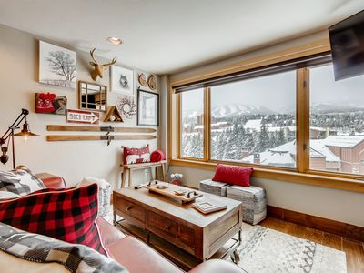 Photo for ★Cozy Studio, Ski-in, Ski-out★ Walk to Main Street,  Quicksilver Lift Downstairs