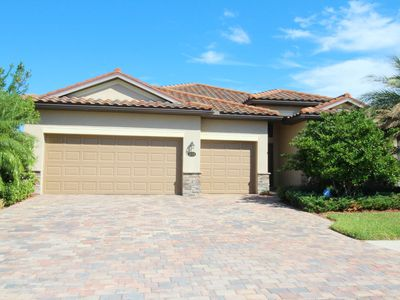 6733 Beautiful improved pool house