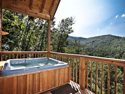 Photo for Abundant Views - 3 Bedrooms, Sleeps 10!