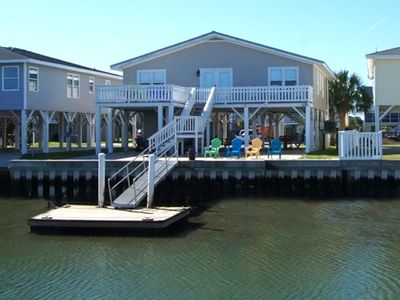 Ce Chell, Spacious 4 BR Channel Home with Beautiful Channel Views and Floating Dock