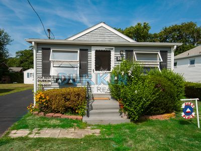 Photo for Cute Cottage, Three Blocks to Beach, Spacious Back Deck