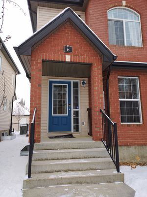 Photo for Warm Spacious 4 bed 3.5 bath Home w/ Double Garage