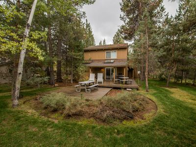 Photo for Close to Fort Rock Park, Private Hot Tub, 10 Unlimited SHARC Passes