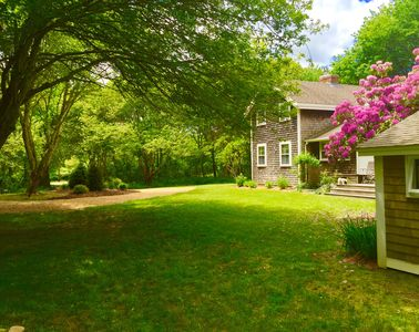 Wonderfully private setting, but at the same time right in the hub of Chilmark!