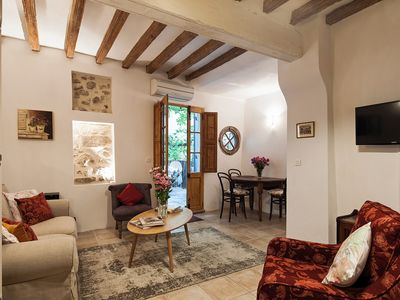 Photo for Charming apartment in the heart of L'Isle sur la Sorgue