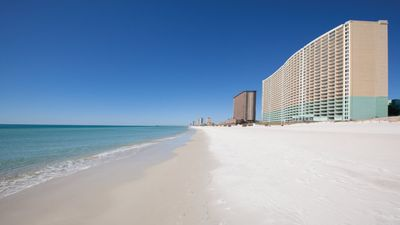 Photo for Indulge yourself in the warm sun at Panama City!