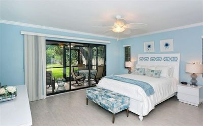 Photo for Lake view Villa located just minutes drive from Siesta Key!