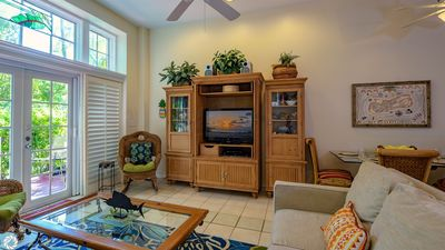Photo for Townhome Near Duval & Beach + LAST KEY SERVICES...