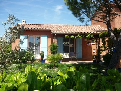 Photo for Comfortable house for 4 people in the heart of Provence with pool
