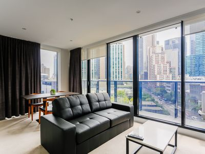 Photo for Spacious and Private Apartment in Southbank