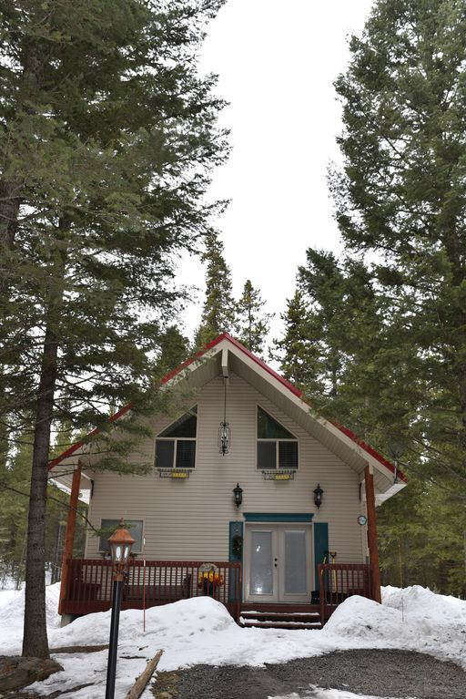 Property image31 neils yellowstone getaway peaceful forest cabin