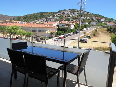 Photo for TOA. Spacious flat in Roses center at 650m from the beach with private parking.