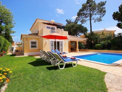 Photo for Beautiful three bedroom villa with private pool and WiFi SD125