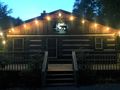 Photo for Breezy Bear Spacious Cabin, Lrg Kitchen - Free Pool Access