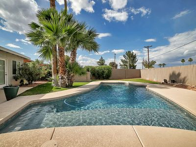 Photo for FREE GOLF & MORE! Private Pool, BBQ Grill + Minutes to Old Town Scottsdale, Golf & Giants Stadium!