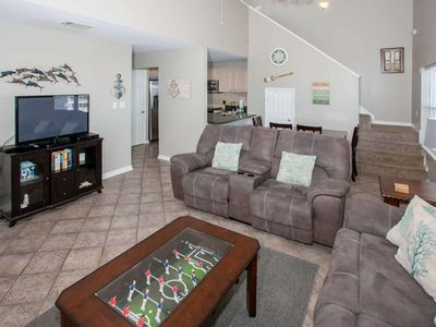 Gulf Views from HUGE balcony | Outdoor Pool, Boat Launch, Pier, BBQ, Wifi | Free Activities