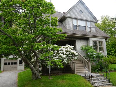 Photo for Adorable 4 bedroom bungalow close to beaches, parks and Portland's Old Port