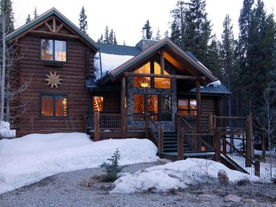 Photo for Breathtaking Mountain Luxury Log Cabin Getaway