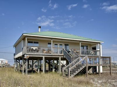 Photo for Just Chillin' near the Gulf of Mexico | TVs in Every Room | Pet-Friendly!