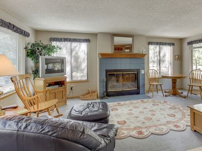 Photo for Bright, dog-friendly home w/ hot tub & 8 SHARC passes to pools/tennis/more!