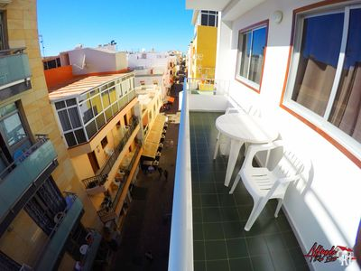 Photo for Central two bedroom apartment with WIFI next to the beach