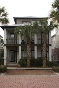Just renovated & Great Location! 2 parking spots & 3 more in the back