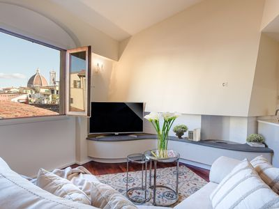 Photo for Luxury Updated Penthouse with Elevator 3 Bedrooms 3 Bathrooms in the Very Centre