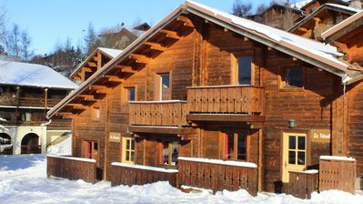 Photo for Mountain chalet with sauna and jacuzzi