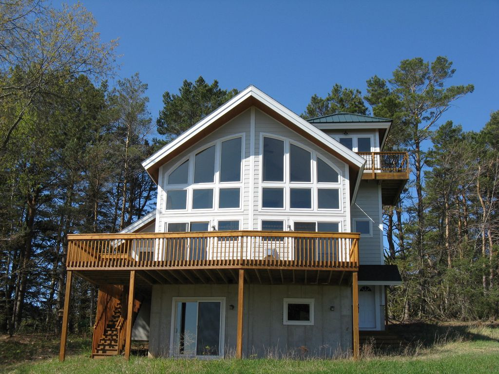 Michigan benzie county benzonia - Peaceful Private Beulah Sleeps 8 Near Crystal Lake