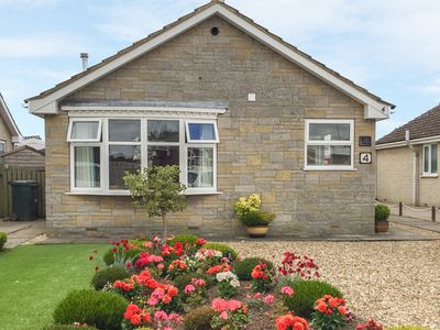 Photo for THE HOLLIES, family friendly, with a garden in Pickering, Ref 916589