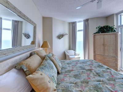 Photo for Gulf Front! Recently Remodeled!! Gorgeous Panoramic View! Free Parasailing! Free Dolphin Cruise!