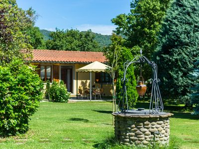 Photo for Beautiful Farmhouse with Swimming Pool near Lake in Tuscany