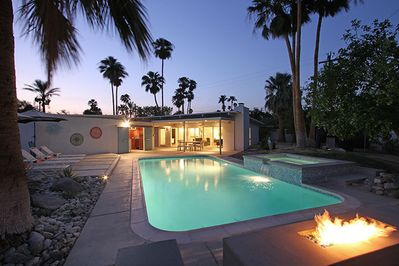 Welcome to Via Jacques! Large pool, built-in spa, fire pit, full poolside bar.