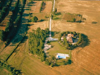 Photo for Fattoria il Musarone. Apt in farm  with pool and garden to eat outside, SIENA province.
