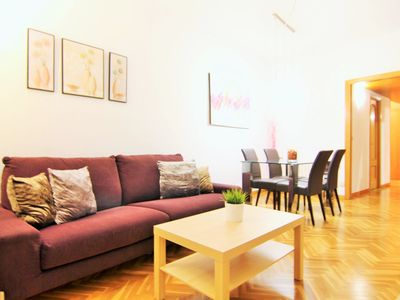 Photo for Apartment with 4 bedrooms in Eixample, HUTB-010825.