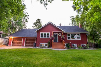 Very quiet, relaxing executive character home near UNBC Hospital and downtown.