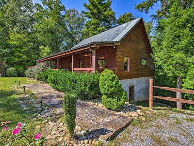 Photo for NEW Resort Sevierville Cabin w/Hot Tub & Game Room